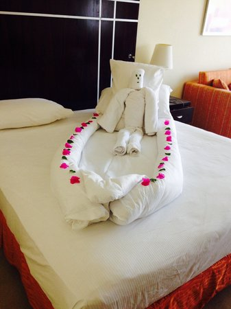 Hilton Sharks Bay Resort: Daily bed decorations