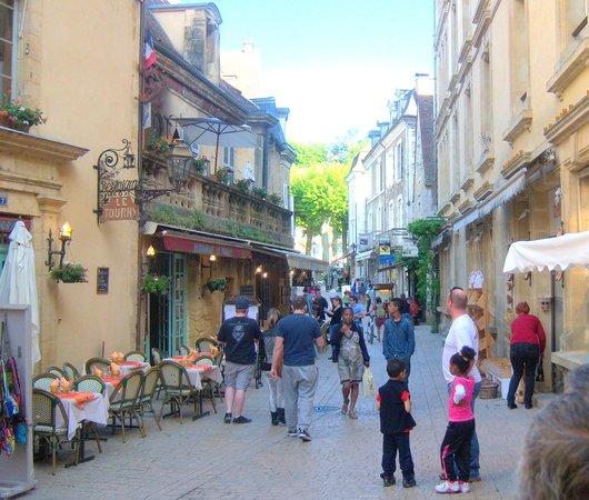 Restaurant Le Tourny : rue du Tourny Sarlat