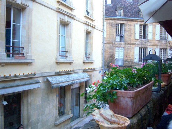 Restaurant Le Tourny : au-dessus de la rue