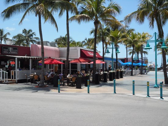Times Square : Square at Fort Myers Beach
