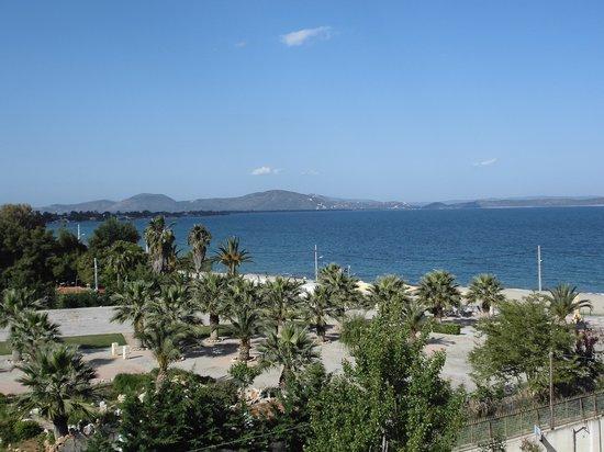Golden Coast Hotel & Bungalows: vu de la chambre