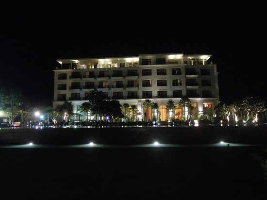 The Danna Langkawi, Malaysia : Hotel at night