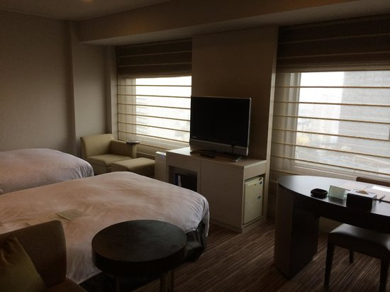 Shinjuku Prince Hotel: spacious twin room 2409