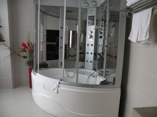 Asia Hotel: Spa bath