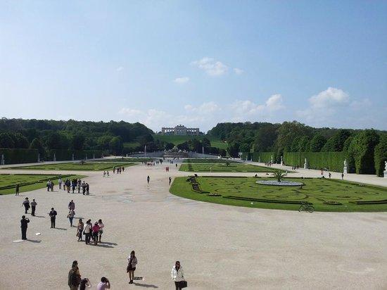 Schloss Schönbrunn: Blick vom Schloss