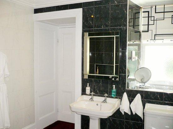 Penarwyn House: DeCressy en-suite 4