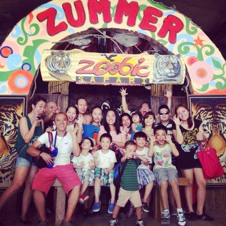 Zoobic Safari: Happy family