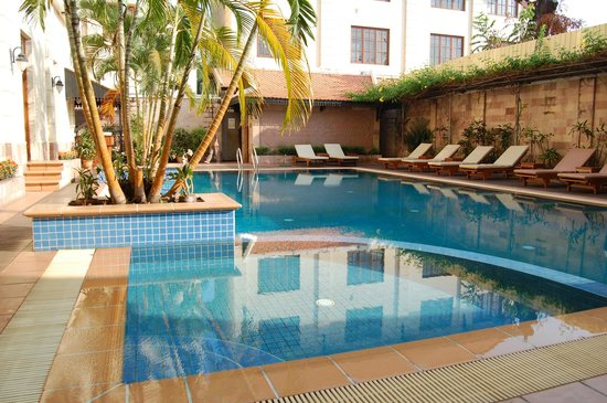 Steung Siemreap Thmey Hotel: Steung Hotel Poolbereich