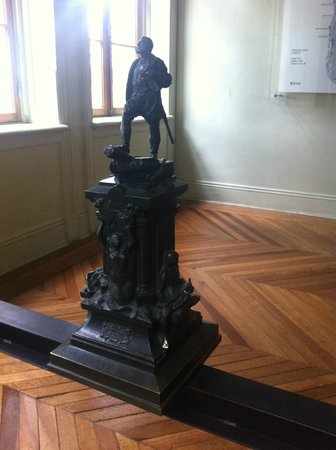 Jose Nogueira : maquet for monument to Magellen