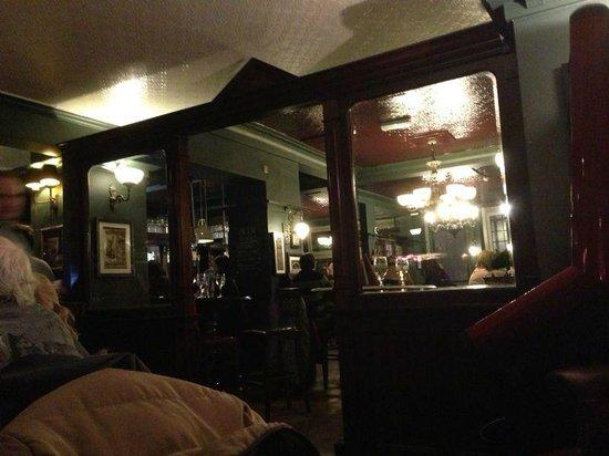 St. George's Tavern: interno