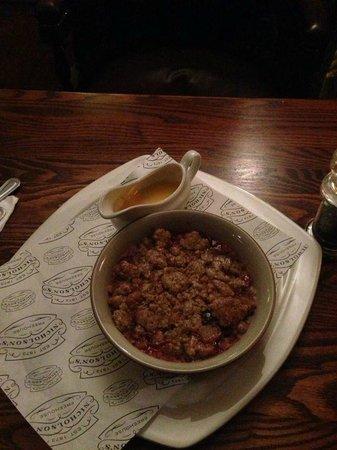 St. George's Tavern: brutto da vedere ma buonissiiimmoooo