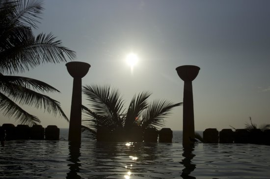 JW Marriott Mumbai Juhu : every evening just breathtaking swimming experience !
