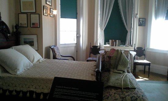 Franklin Delano Roosevelt Home: Franklin's bedroom