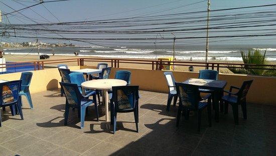 Hostal Cocos Beach: Terrace
