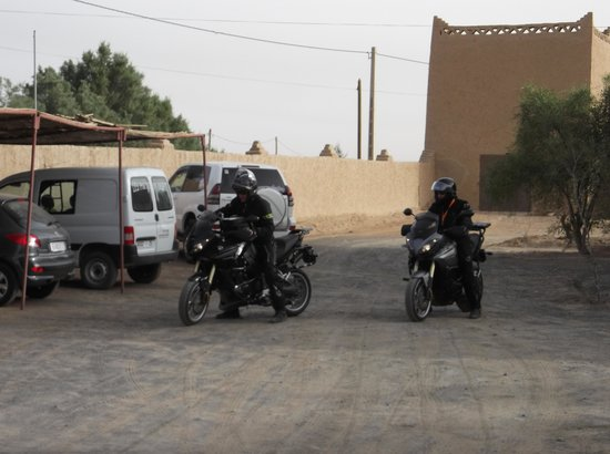 Les Portes du Desert: Parking