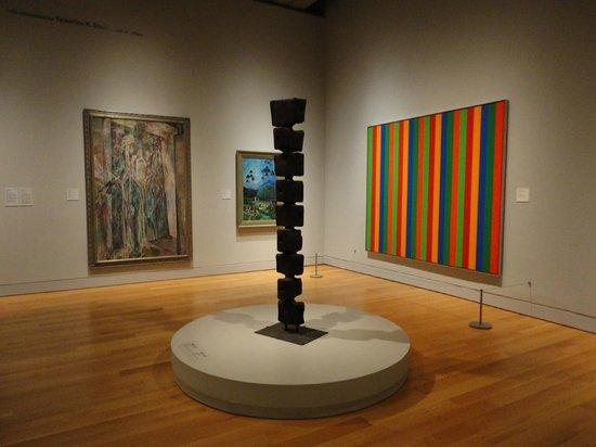Musée des beaux-arts de l'Ontario : Interesting juxtapositions