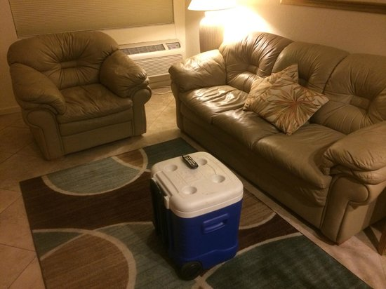 Legacy Harbour Hotel & Suites: No coffee table - no place to set a drink or food in front of you as you're watching TV