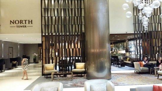Fairmont Singapore: Renovated hotel lobby