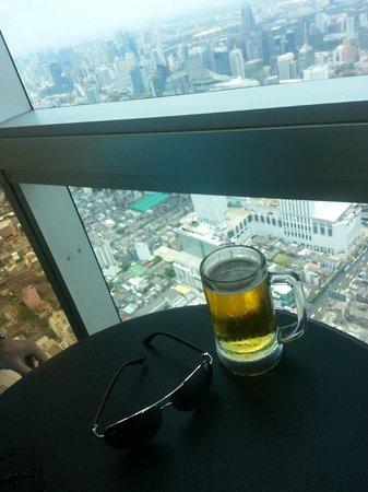 Baiyoke Sky Hotel: Бесплатный напиток входит в стоимость входного билета