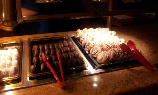 BEST WESTERN PLUS Park Place Inn - Mini Suites : brekky buffet