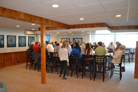 Buzz'sLakeside Inn: The new bar is a great gathering spot with view.