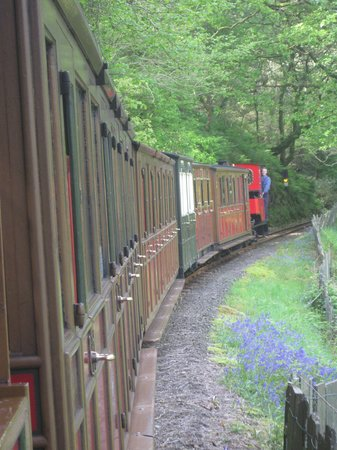 Talyllyn Railway: Douglas the red engine and its long train