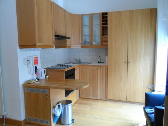 Studios2Let Serviced Apartments - Cartwright Gardens: Kitchen Area