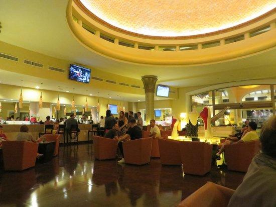 Barcelo Maya Palace: Lobby Bar