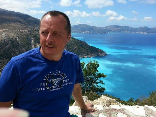 Tesoroblu Hotel & Spa: Mijn schoonbroer onderweg Myrtos Beach
