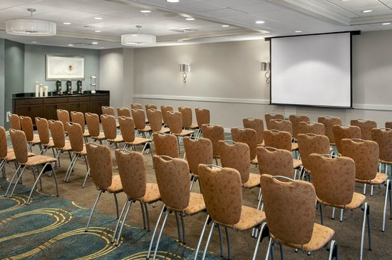 Fairfield Inn & Suites Lenox Great Barrington/Berkshires : Meeting Room - theater style