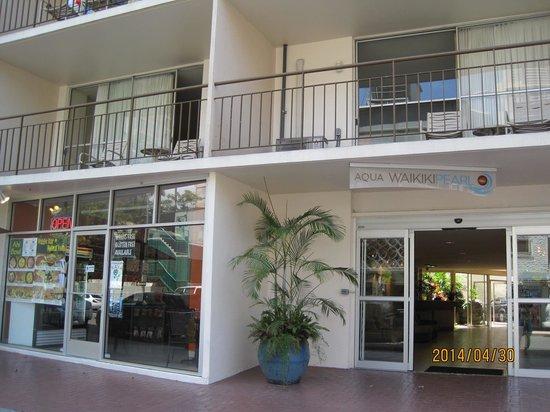 Pearl Hotel Waikiki: 外観