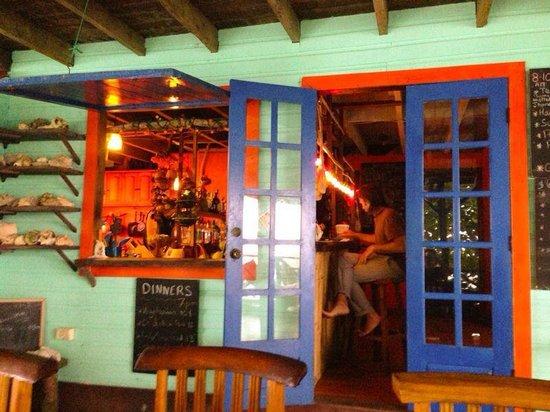 Tesoro Escondido: bar & restaurant