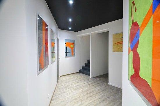 Hall d\'entrée de la Maison Mondrian - Picture of Maison ...
