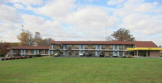 Elkton Lodge : Front View