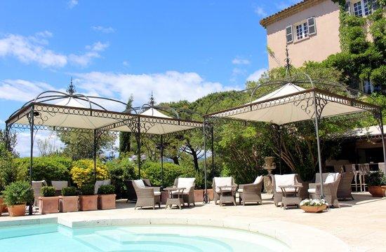 Le Mas de Chastelas: Bar terrace