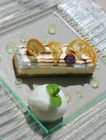 Le Mas de Chastelas: Lemon tart