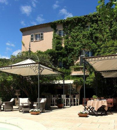 Le Mas de Chastelas: Main terrace