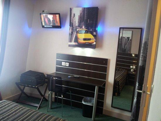 Hotel Continental : CHAMBRE DECO NY