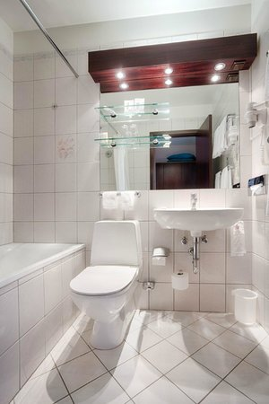 Hotel Holt : Bathroom with Bathtube in every Suite
