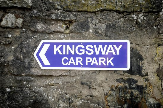 Kingsway Guest House: Private off street parking