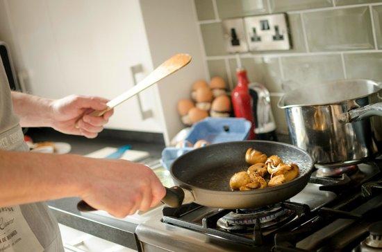 Kingsway Guest House: Enjoy your freshly prepared breakfast each morning