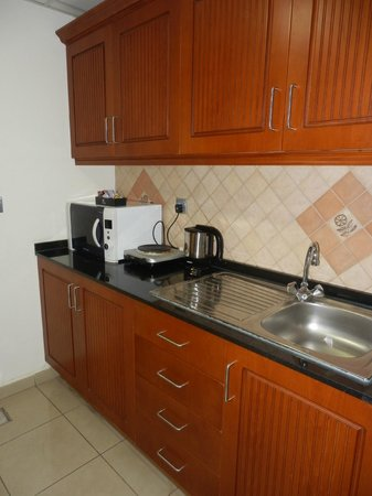 Rose Garden Hotel Apartments - Bur Dubai: Cucinino