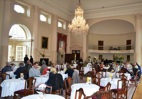 The Pump Room Restaurant : The Dining Room