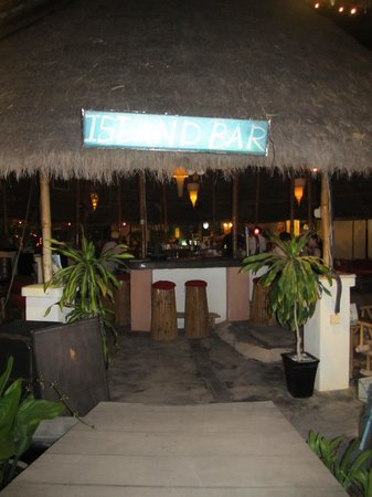 Island Bar : First view as you enter
