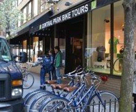 Central Park Bike Tours : L'esterno del negozio