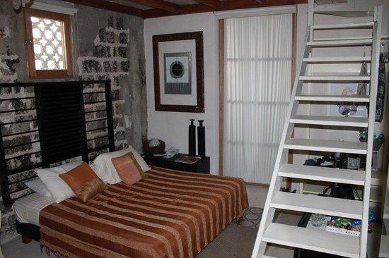 Hotel Casa Lola: Basic room.