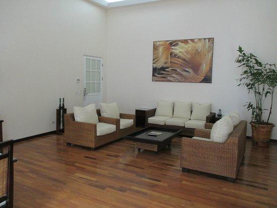 Gaia Hotel & Reserve: Sitting area, Gaia Suite