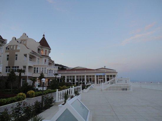 Relax Centre Irey: Вид отеля со стороны ресторана