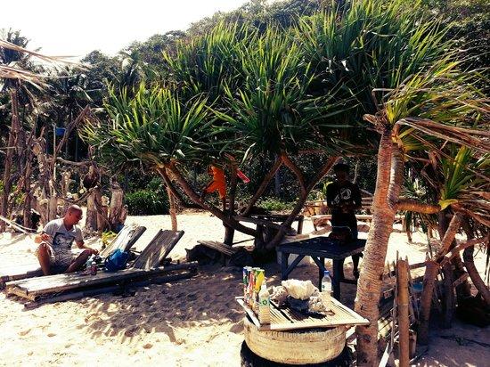 Yapak Beach (Puka Shell Beach): at pandan bar :))