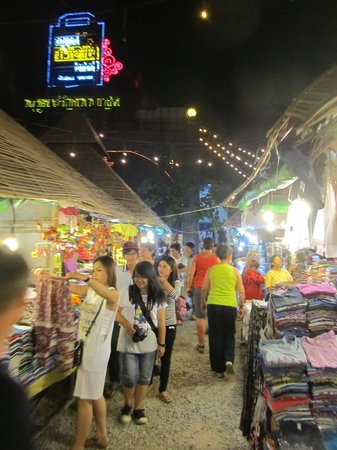 Angkor Night Market: Stalls a plenty